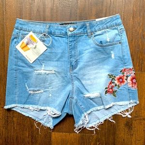 Wax Distressed, Embroidered Blue Jean Shorts, 1XL
